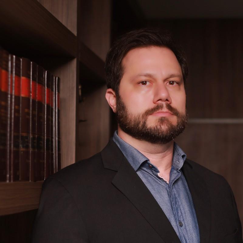 Paulo Cataldo Siston | Especialista em Leilão de Imóveis
