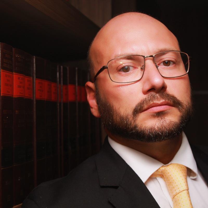 Raphael Cataldo Siston | Especialista em Leilão de Imóveis