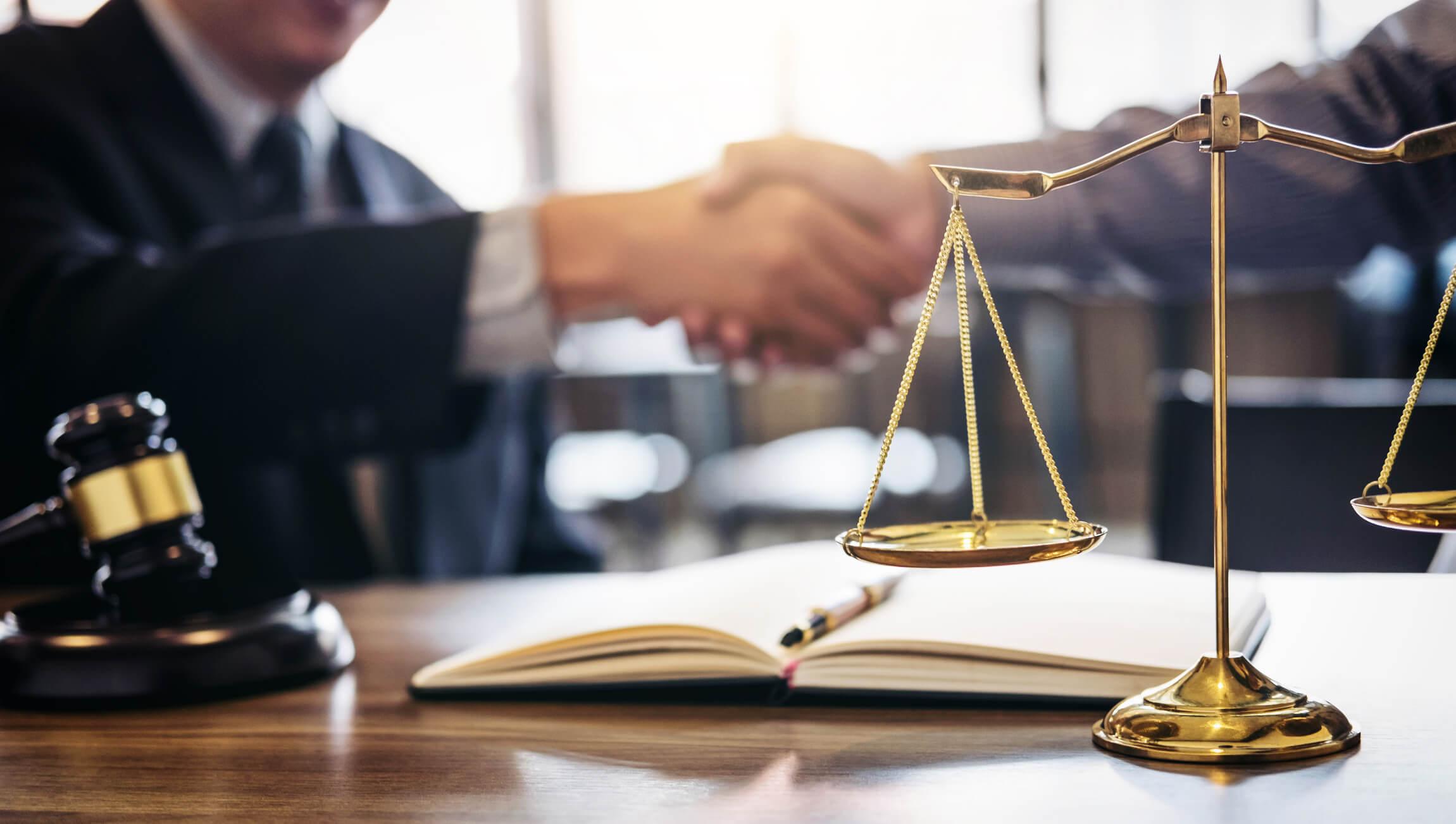 Análise jurídica em leilão de imóveis